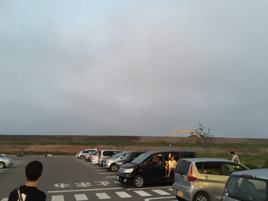わたり温泉鳥の海の前から撮った堤防の写真